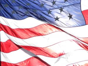 American-flag-Vietnam-Veterans-Memorial