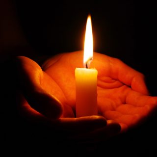 http://www.carpentersplace.org/wp-content/uploads/2014/12/candle_01-320x320.jpg